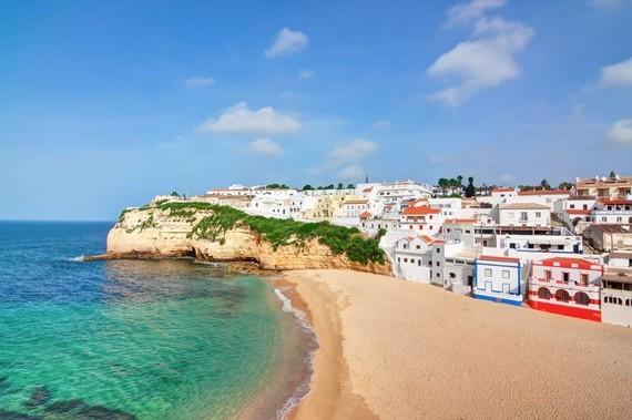 2016-01-05-1452013455-964130-AlgarvePortugalCoast.jpg
