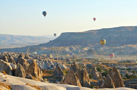 2016-01-06-1452058239-1461471-cappadocia.baloons1.jpg
