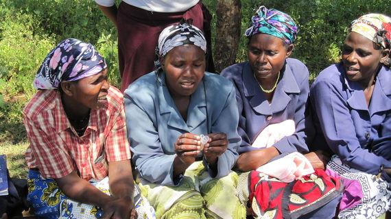 2016-01-06-1452059498-4346424-Women_in_Meru_Kenya_examining_Menstrual_Cups_5926104507.jpg