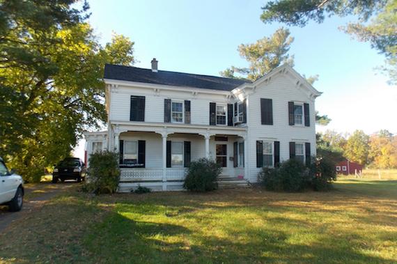 2016-01-06-1452106841-2668954-farmhousesummer.jpg