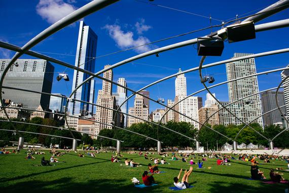 2016-01-08-1452281366-4157329-ChicagoSports_AA_SummerWorkOut_MilPark_11.jpg