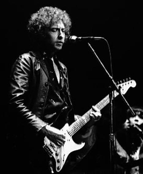 2016-01-12-1452636995-4728388-Bob_Dylan_Gospel_Tour_1980_wikimediacommons.jpg