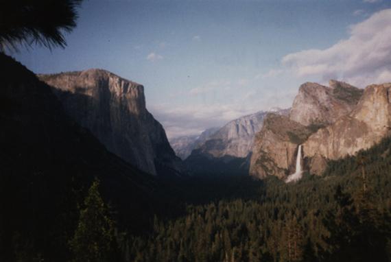 2016-01-13-1452683570-1414974-YosemiteValley1.jpg