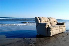 2016-01-13-1452690342-3001117-beachcouch.png