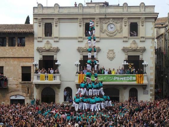 2016-01-14-1452736926-5192465-CastellersdeVilafrancafbpage.jpg