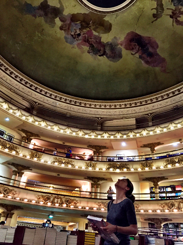 2016-01-14-1452785730-1131613-TeatroAteneoLibreria.jpg