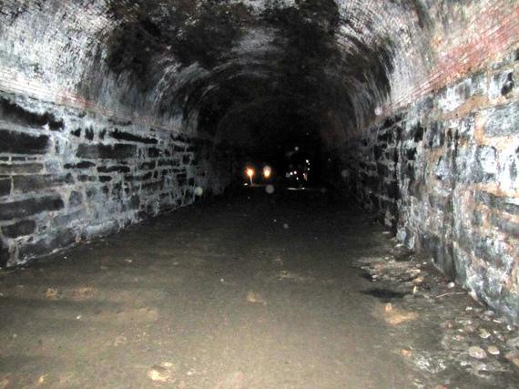 2016-01-14-1452786195-1434514-Tunnels_3.jpeg
