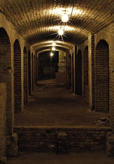 2016-01-14-1452786665-7967610-Tunnels_7.jpeg