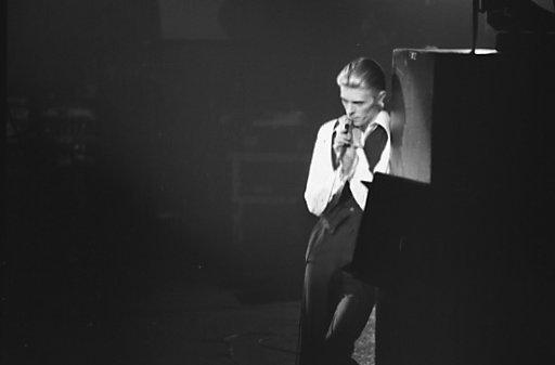 2016-01-14-1452795252-2804804-David_Bowie_1976.jpg