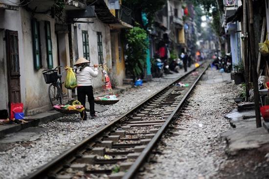 2016-01-22-1453431960-6708415-vietnamtrain4.jpg