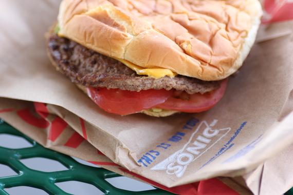 2016-01-22-1453476314-5903049-burger3.jpeg