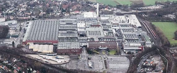 2016-01-23-1453562266-5540612-640pxAdam_Opel_AG_Werk_Bochum_I_Luftaufnahme_2014.jpg