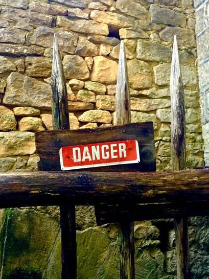 2016-01-27-1453897235-8105771-Danger.JPG