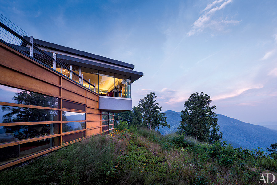 Go inside 7 spectacular mountain homes huffpost for Mountain home architects