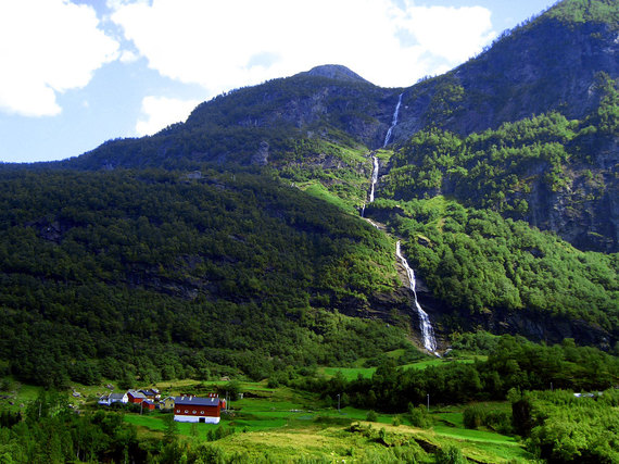 2016-01-29-1454098153-3416842-waterfallsinnorway1410925.jpg
