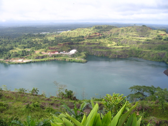 2016-01-31-1454272397-9862727-Liberia_Bomi_lake_Wikipedia.jpg