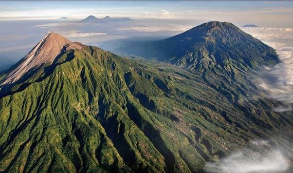 2016-02-01-1454299743-4895498-mountmerapiindonesiavolcano.jpg