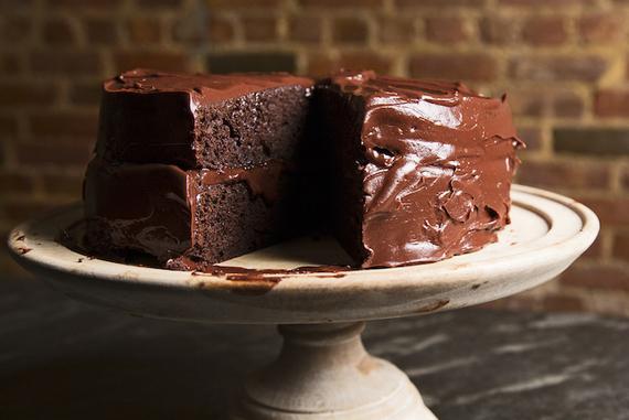 2016-02-01-1454340070-5134840-chocolatecakeemilyluchetti.jpg