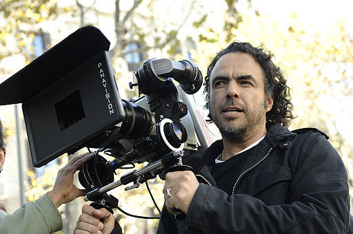 2016-02-01-1454349703-4687034-Alejandro_Gonzalez_Inarritu_with_a_camera_in_production.jpg
