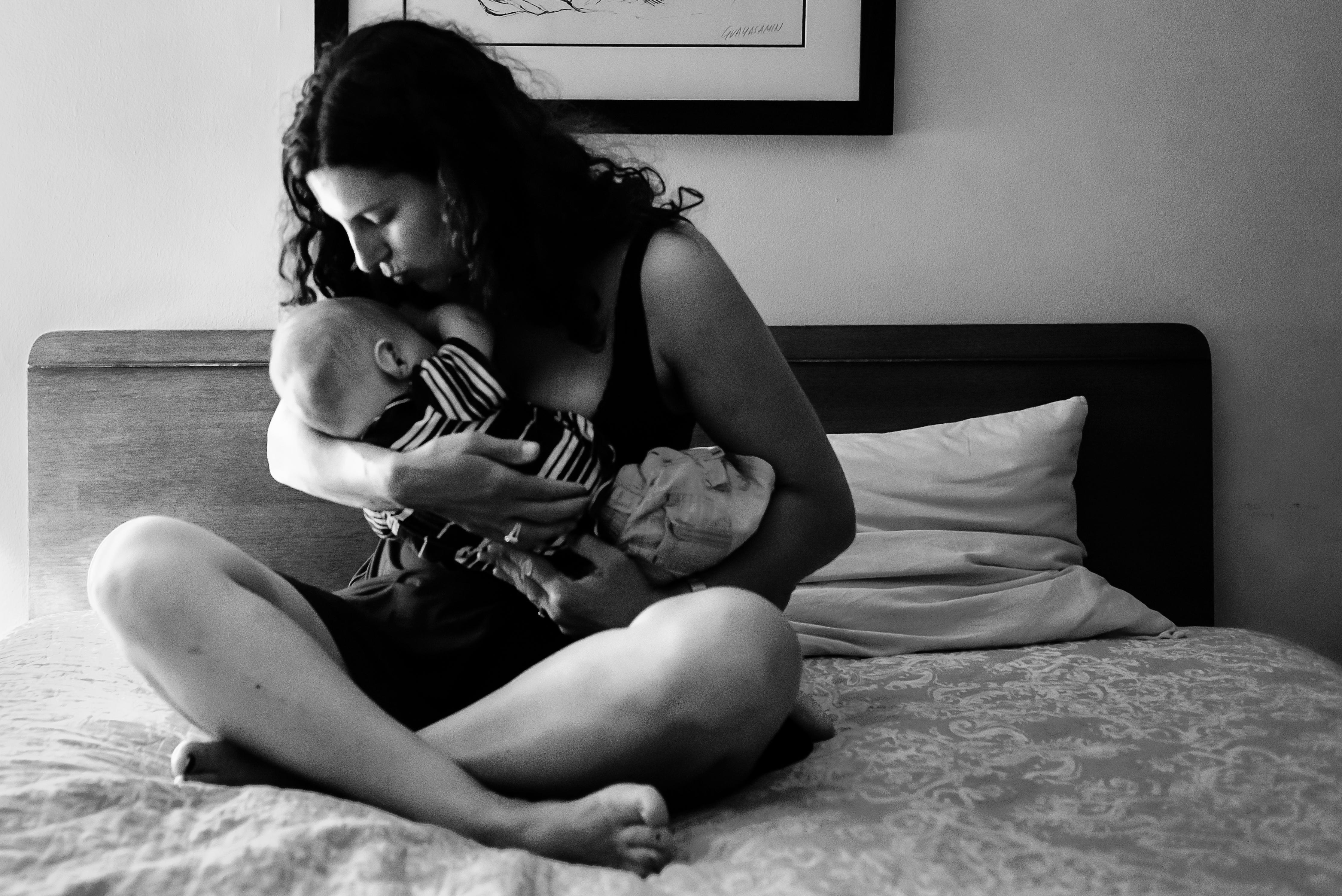 2016-02-01-1454355443-930308-breastfeedingsm.jpg