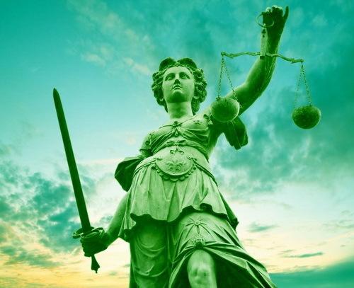 2016-02-02-1454441083-9676809-justicestatuegreenbyMaryEllenHartecctw98.jpg