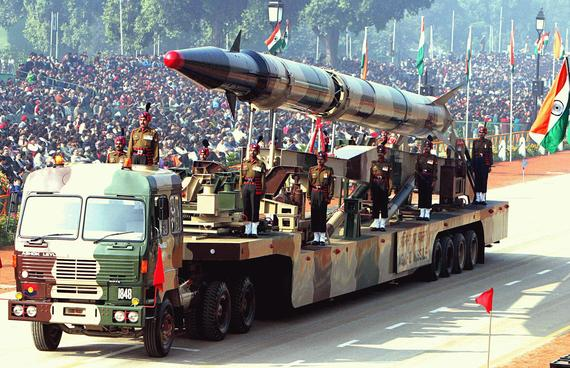2016-02-07-1454850482-4147995-PakAgniII_missile_Republic_Day_Parade_2004.jpg