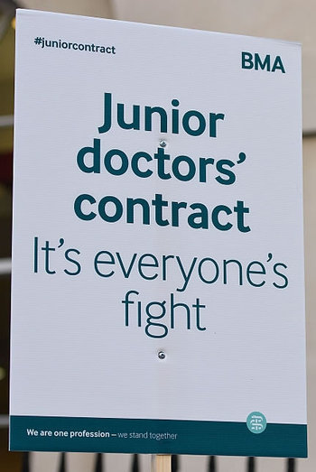 2016-02-07-1454873798-5506840-juniordoctorcontract.jpg