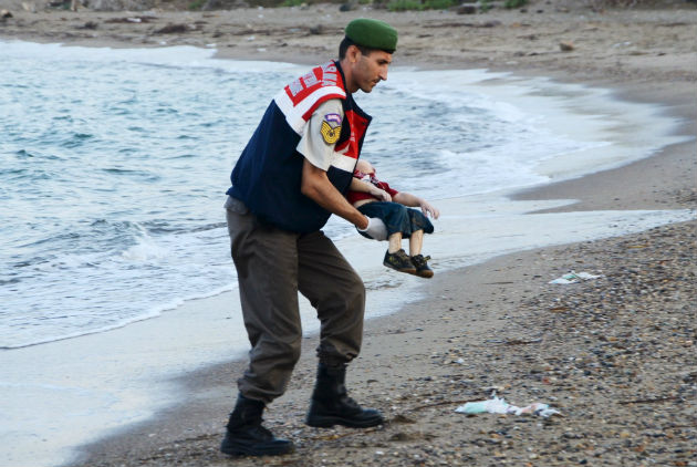 2016-02-08-1454948369-5530817-AylanKurdi_use.jpg