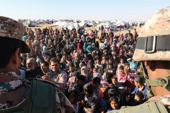 2016-02-09-1455034751-4020788-Syrians_Jordan_AFP.jpg