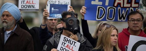 2016-02-09-1455038822-1791428-gasleakprotestTDCccr315.jpg