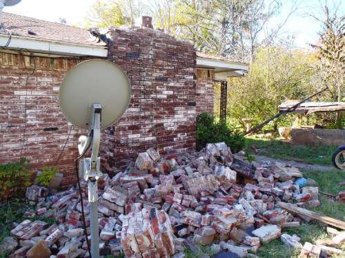 2016-02-09-1455041486-4115503-house_damage.JPG