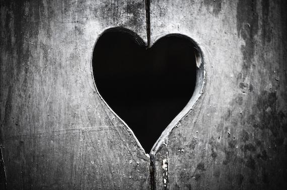2016-02-10-1455069922-7701576-ValentineDark.jpeg