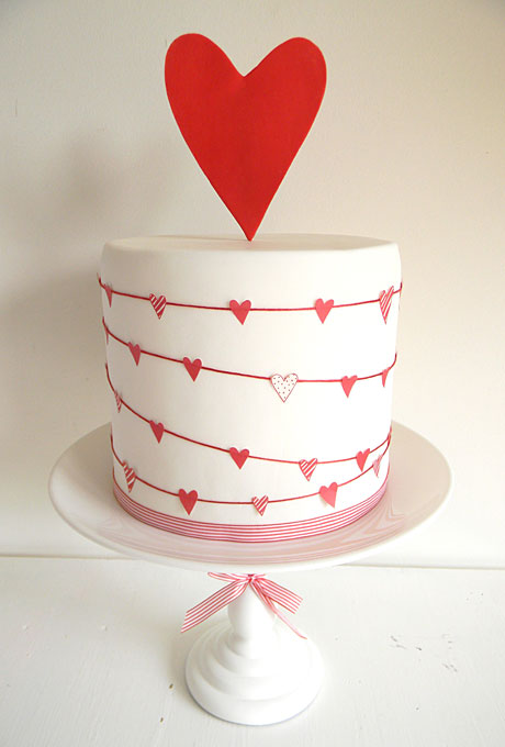 5 Heart-Themed Wedding Cakes Just In Time For Valentine s ...