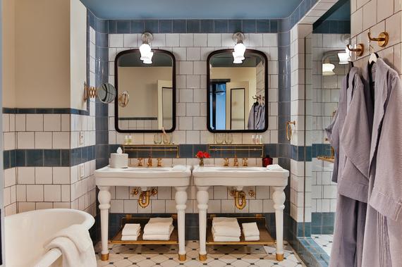 2016-02-22-1456123439-5024203-Hotelemmabathroomphotojasonrisner.jpg