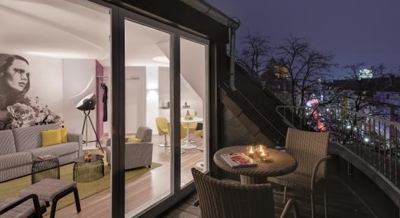 2016-02-23-1456231333-4856755-Dusseldorf_Germany_Hotel_Indigo_Balcony_night_view.jpg