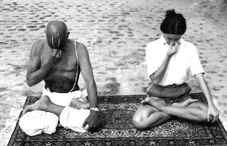2016-02-26-1456513335-6816419-krishnamacharyapranayama.jpg