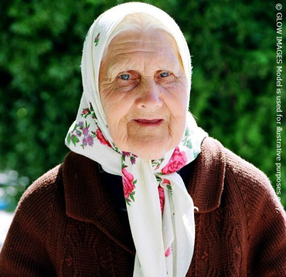 2016-02-27-1456604726-2859266-Elderlywomanformatted.HP.jpg