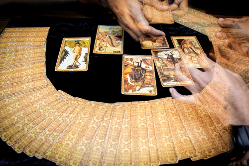 An Interview With One of NYC's Best Tarot Card Readers