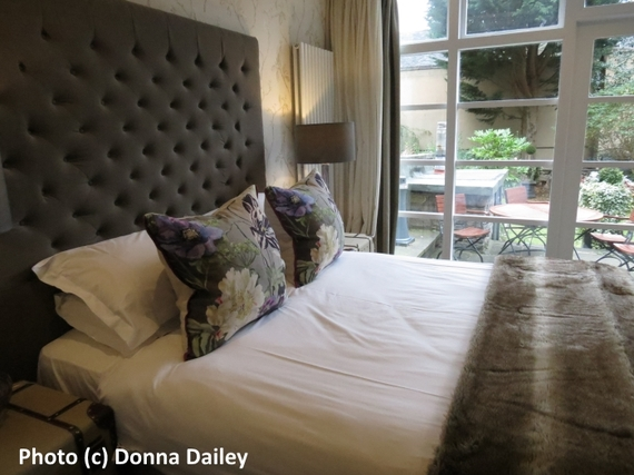 2016-02-29-1456768194-2444517-Nira_Caledonia_Hotel_Edinburgh_bedroom.jpg