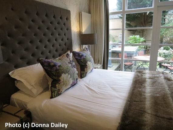 2016-02-29-1456768194-2444517-Nira_Caledonia_Hotel_Edinburgh_bedroom.jpg