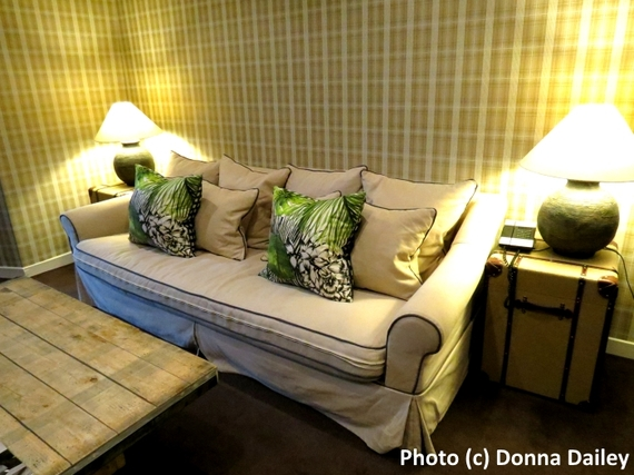 2016-02-29-1456768308-9611082-Nira_Caledonia_Hotel_Edinburgh_lounge.jpg