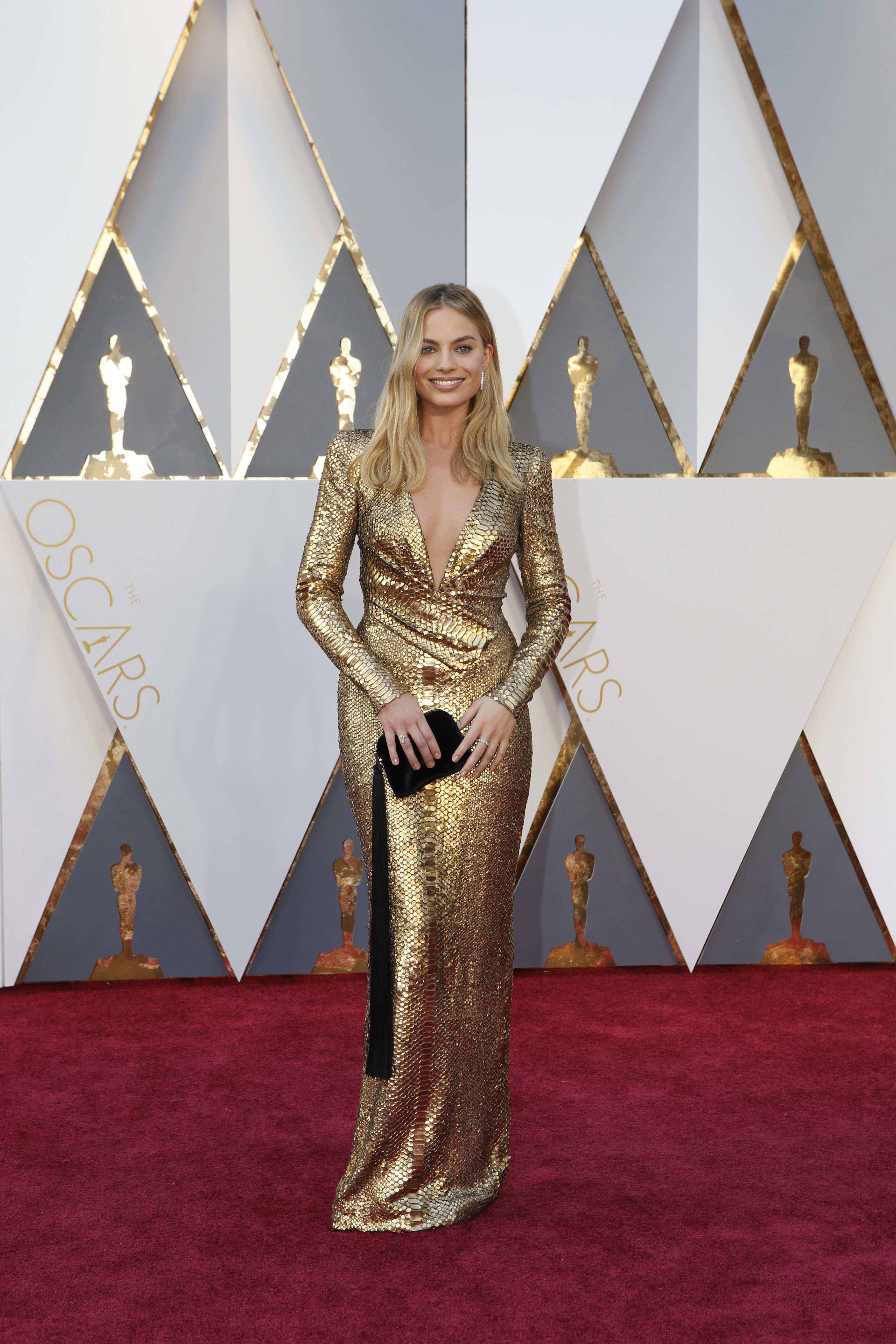 Oscars 2016 my favorite red carpet dresses huffpost for Jewelry at the oscars 2016