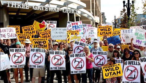 2016-03-01-1456858257-4452086-oilleasingprotest2CreditTerriMartinatwww.suwa.orgccr318.jpg