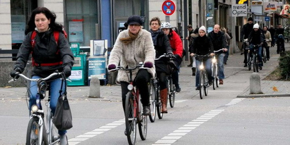 2016-03-01-1456858629-6564936-bicyclingbikecommutersGermanySourceallesgerman.comccr318.jpg