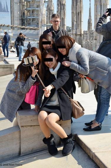 2016-03-02-1456880205-2714906-SelfieDuomoRoof.JPG