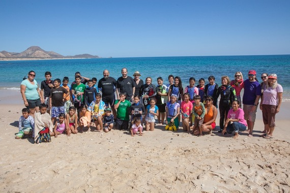 2016-03-03-1456973528-9014069-SnorkelingGroupShot_MG_0060.jpeg