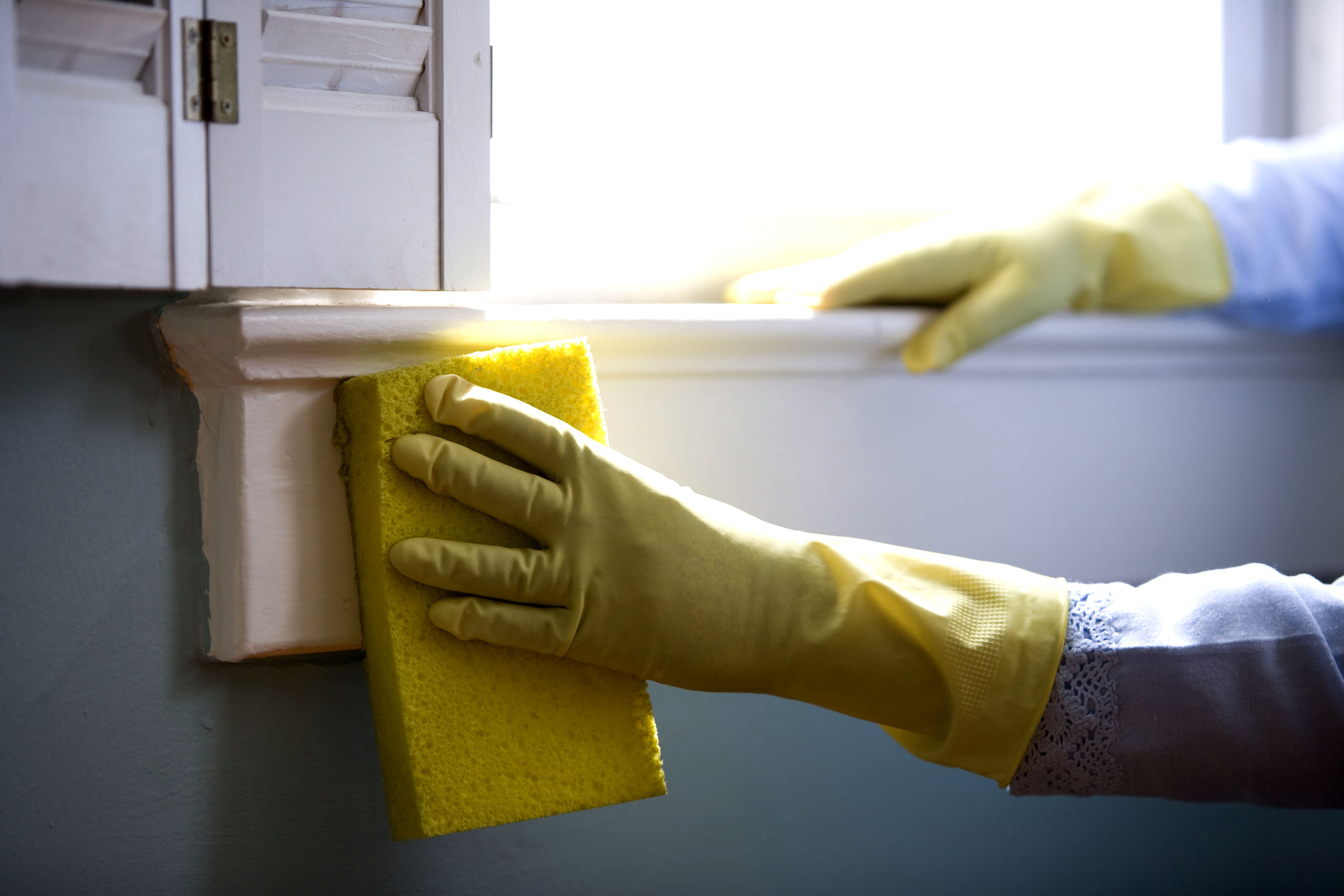 12 Ways To Turn Housework Into A Workout