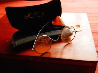 2016-03-04-1457108173-1215601-Eyeglasses2.jpg