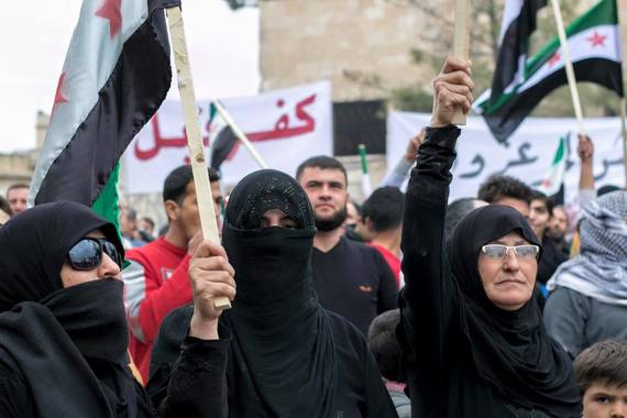 2016-03-05-1457211806-4399835-womenprotestors.jpg