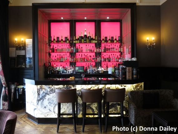 2016-03-06-1457267093-8648128-Dunstane_Boutique_Hotel_Edinburgh_bar.jpg